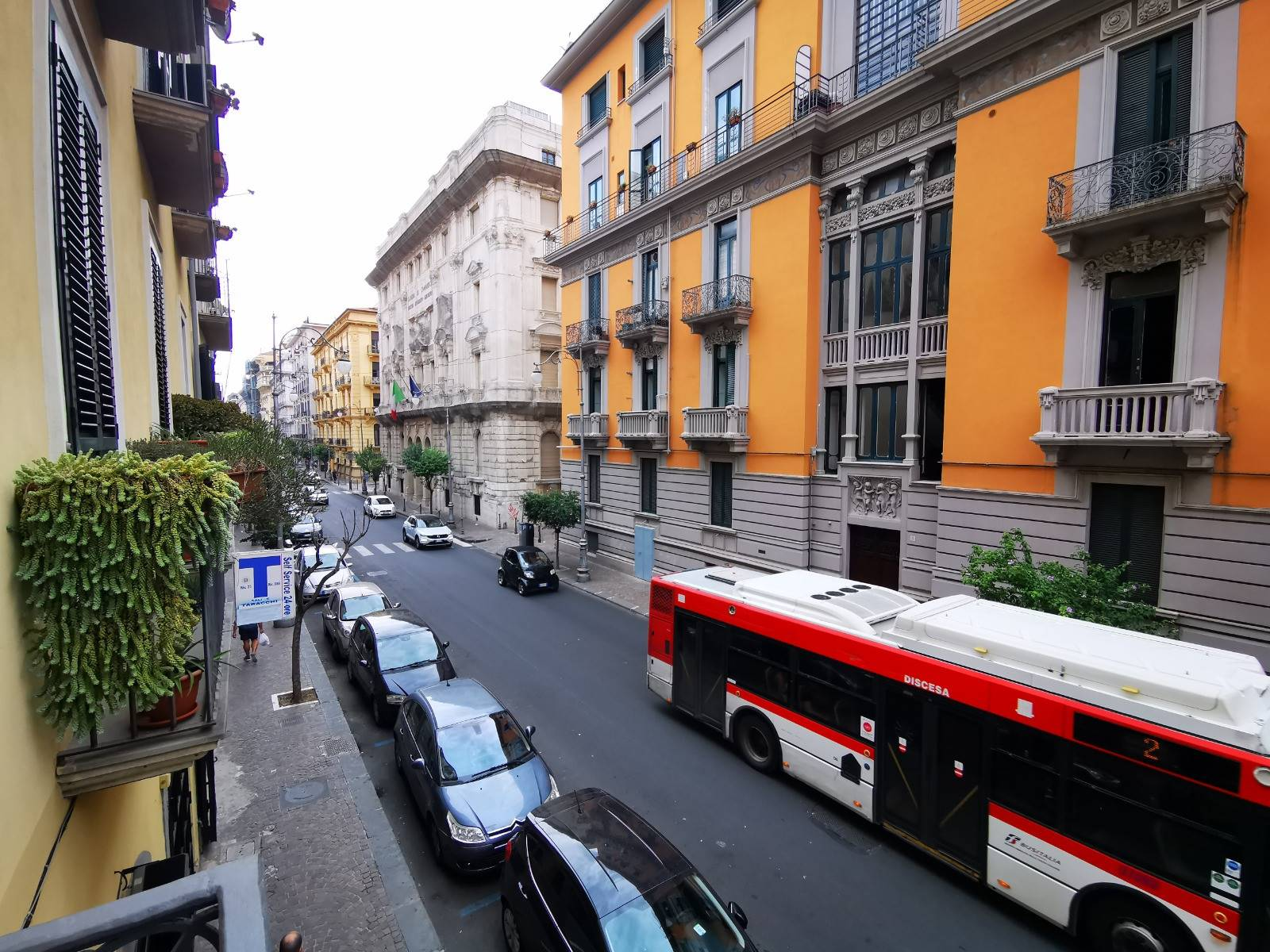CENTRO, SALERNO, Apartment for rent of 130 Sq. mt., Restored, Heating Individual heating system, Energetic class: G, Epi: 175 kwh/m2 year, placed at