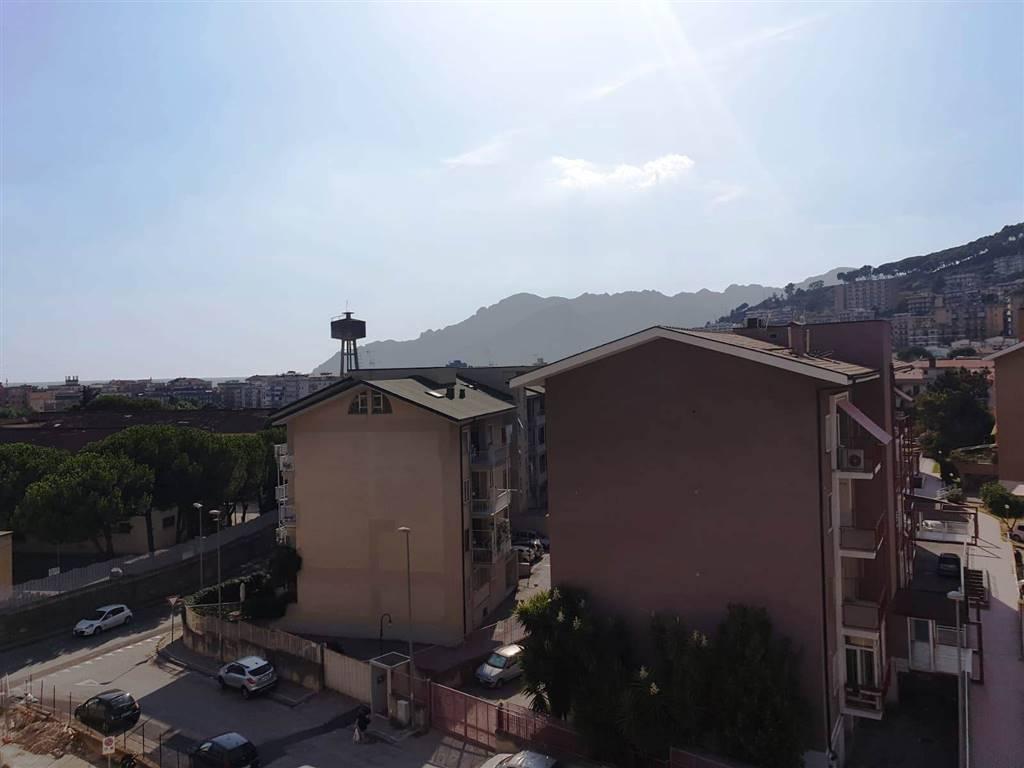 Trilocale, Torrione, Salerno, in ottime condizioni