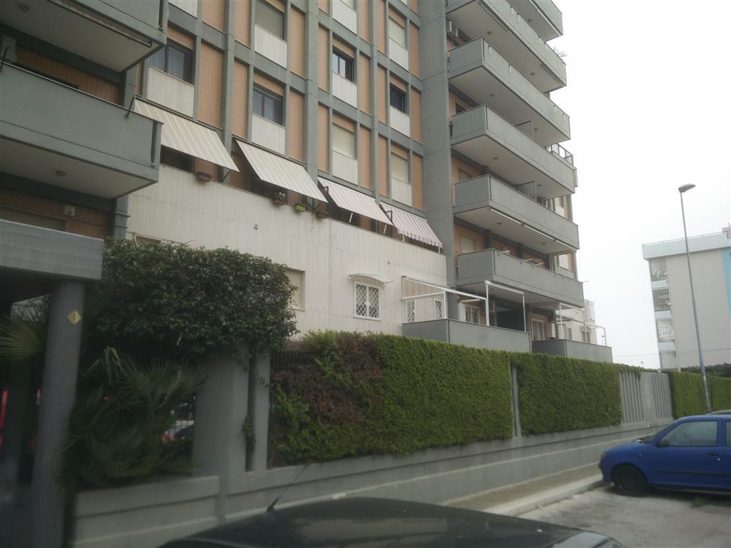 Garage / Posto auto in Via Palasciano 1, Japigia, Bari