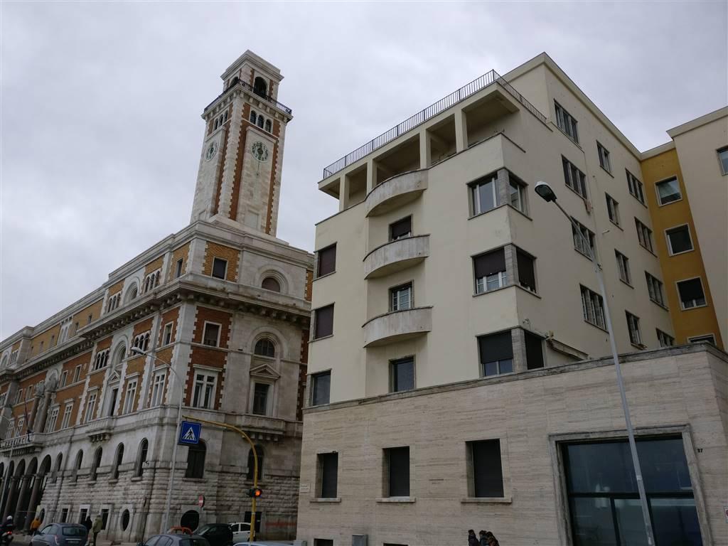Quadrilocale in Lungomare Nazario Sauro  25, Madonnella, Bari