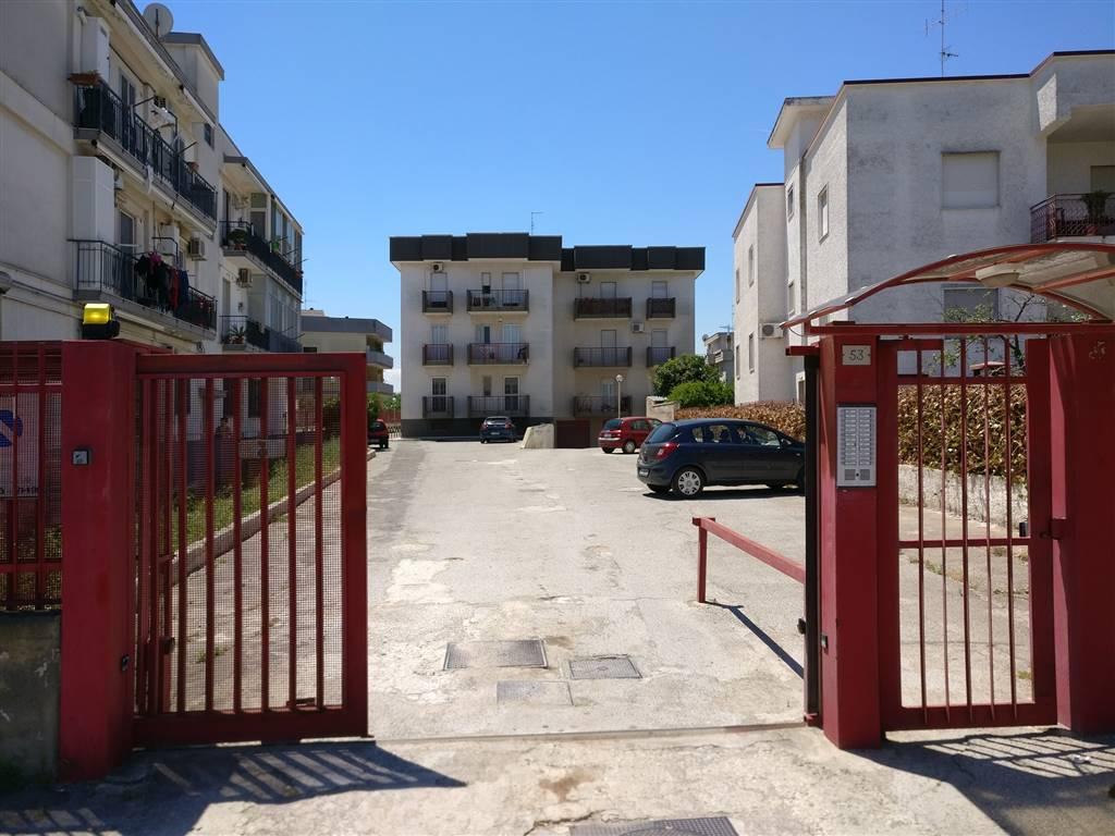Quadrilocale in Via Adelfia  153, Bitritto