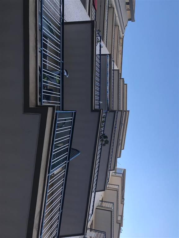 Trilocale, Carrassi, Bari