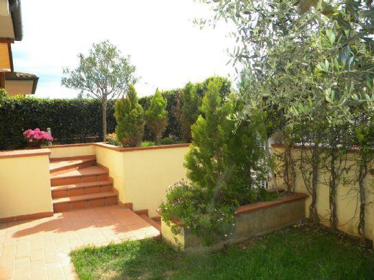 Villa a schiera, Follonica, ristrutturata