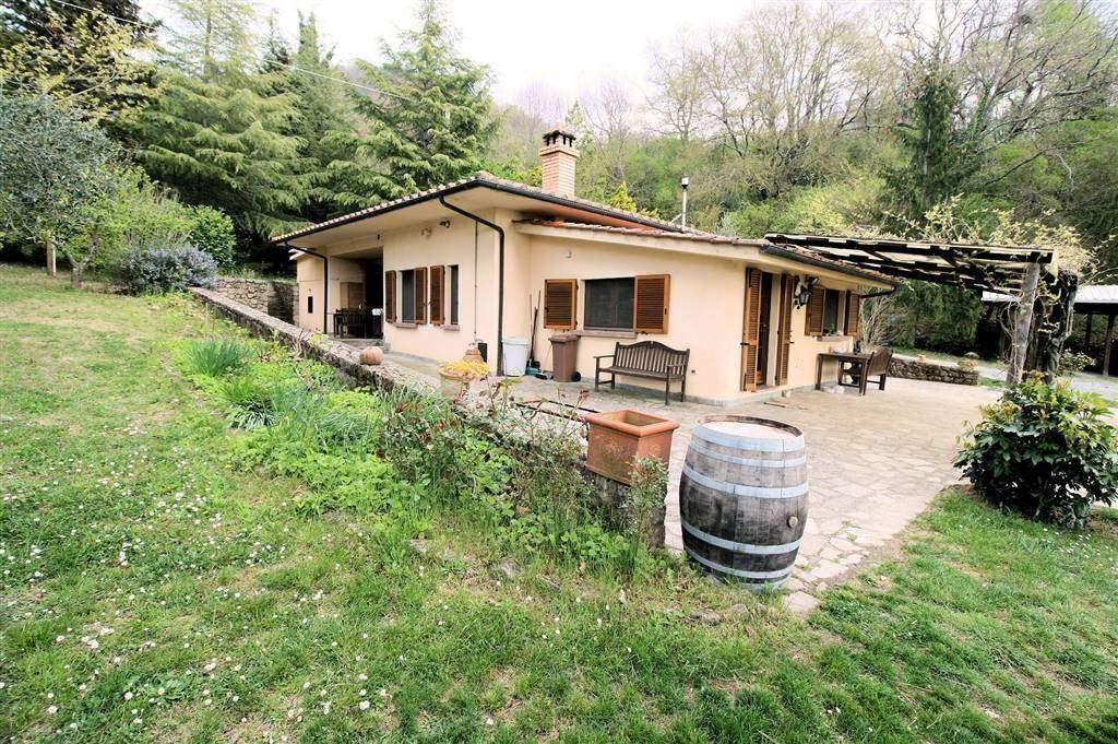 Rustico casale, Sassofortino, Roccastrada