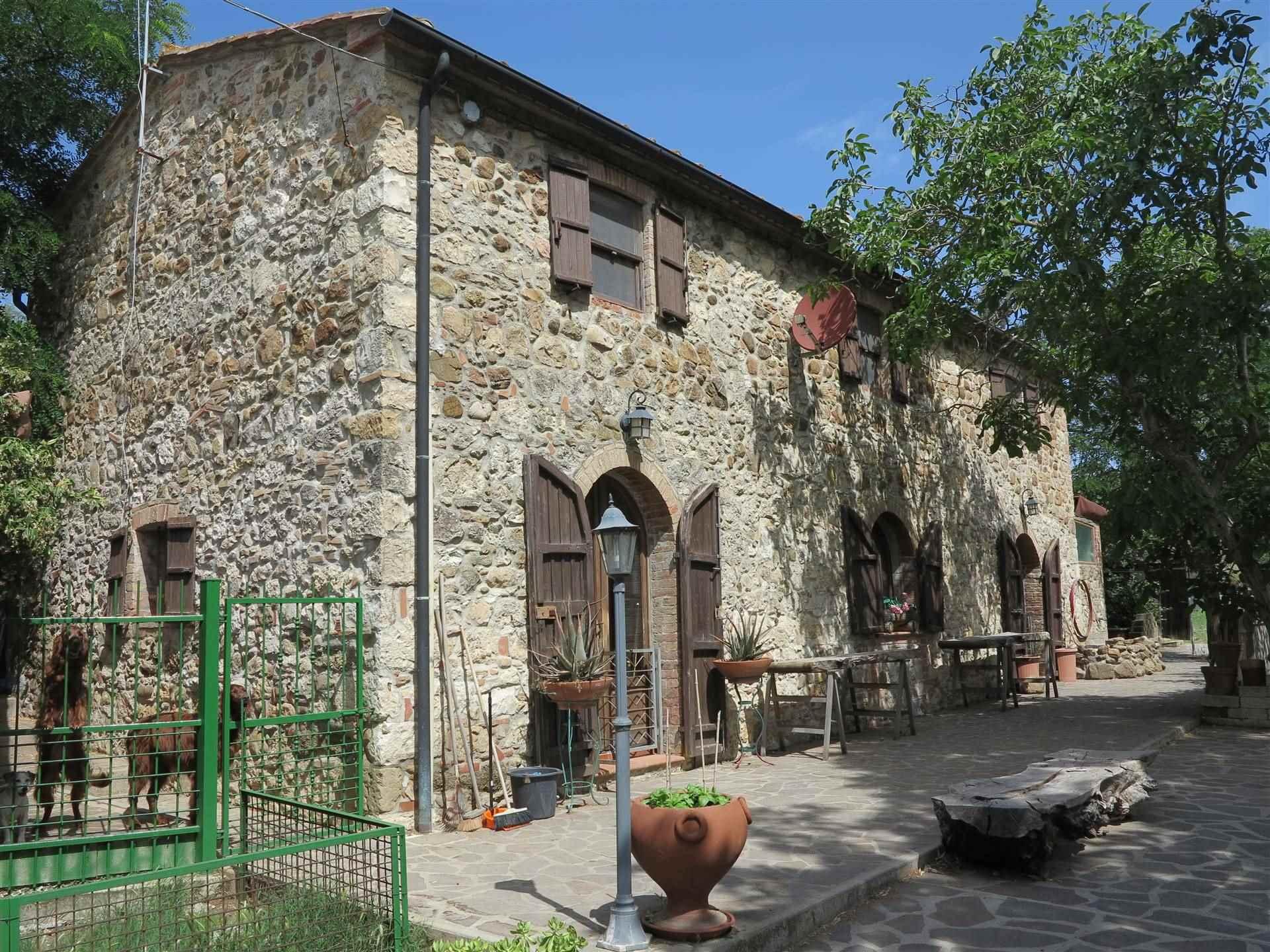 Rustico / Casale in vendita a Monterotondo Marittimo, 5 locali, prezzo € 390.000   CambioCasa.it