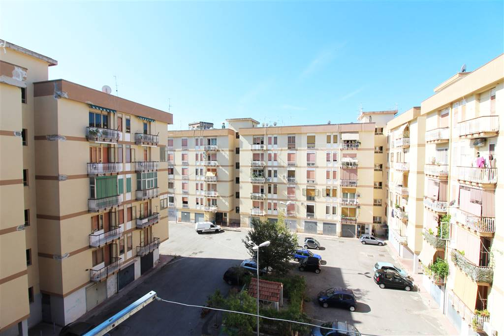 MERCATELLO, SALERNO, Apartment for sale of 120 Sq. mt., Good condition, Heating Individual heating system, Energetic class: E, Epi: 218 kwh/m2 year,