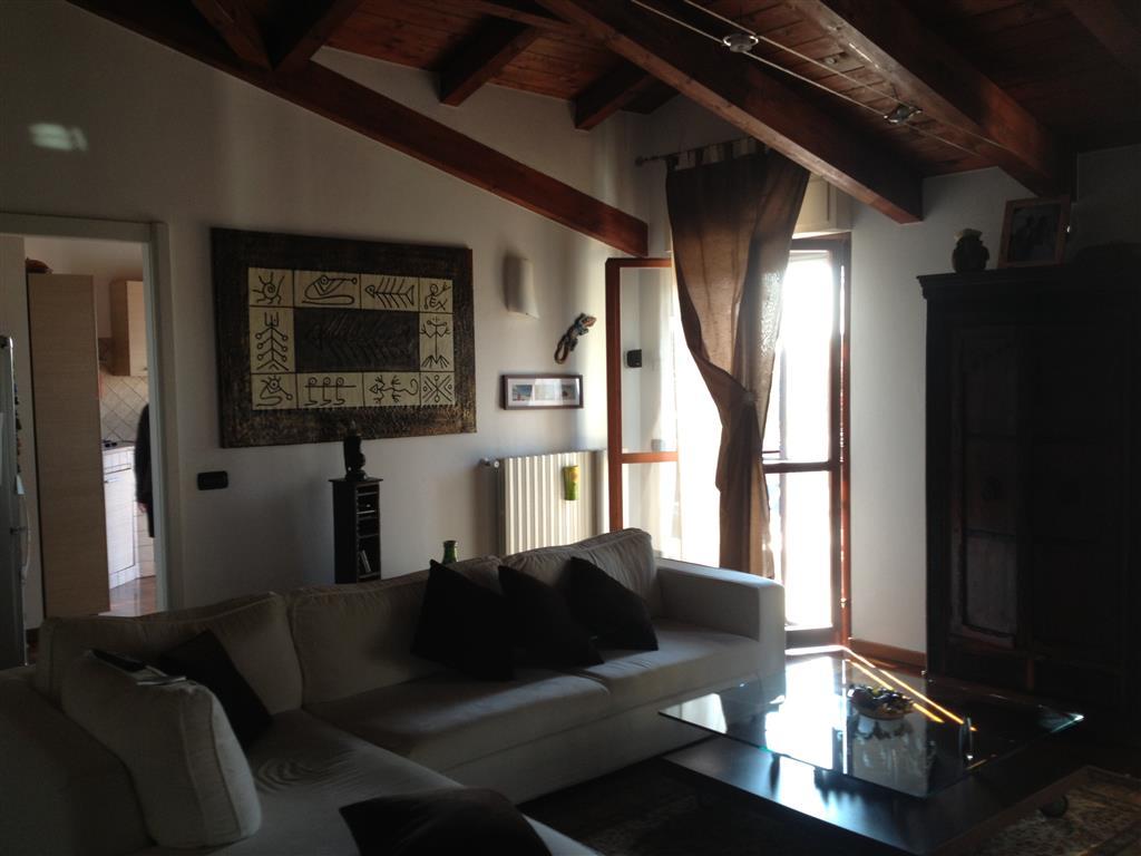 Attico / Mansarda in vendita a Gambolò, 4 locali, prezzo € 200.000 | CambioCasa.it
