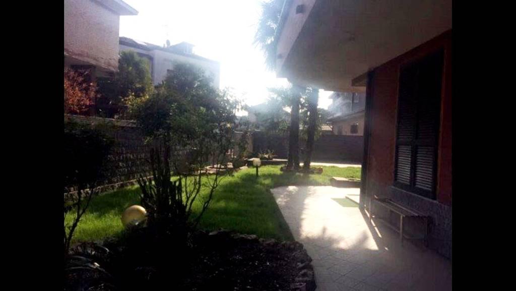 Appartamento in vendita a Cerano, 3 locali, prezzo € 80.000 | CambioCasa.it
