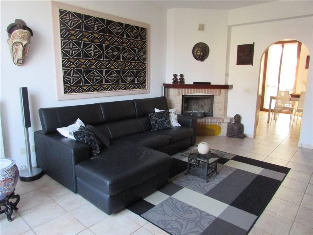 Villa, Gambolo', in ottime condizioni