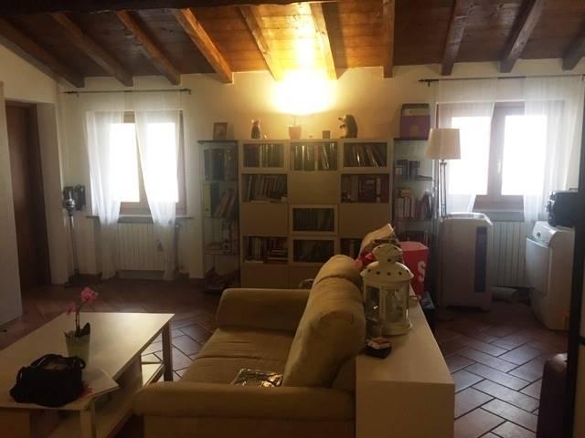 Attico / Mansarda in affitto a Tromello, 3 locali, prezzo € 400 | CambioCasa.it