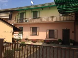 Casa singola in Via Mazzini  5, Gambolo'