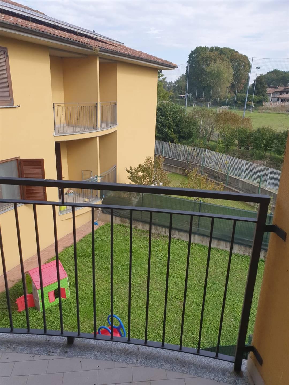 Appartamento in vendita a Zerbolò, 3 locali, zona Zona: Parasacco, prezzo € 89.000 | CambioCasa.it