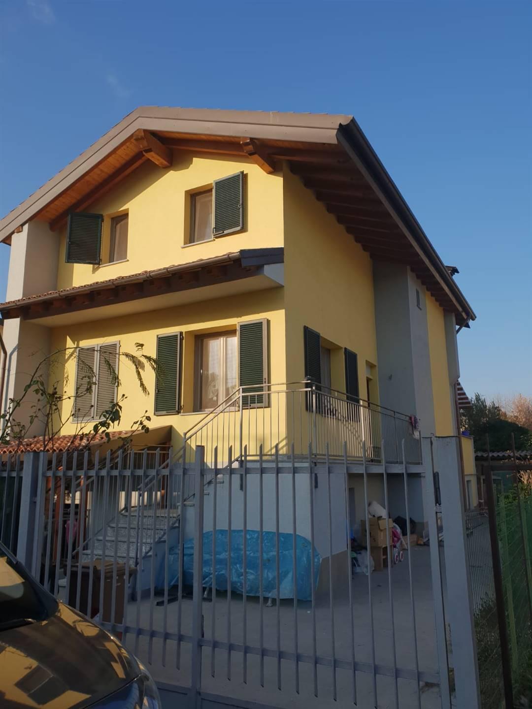 Villa in vendita a Abbiategrasso, 5 locali, prezzo € 360.000 | PortaleAgenzieImmobiliari.it