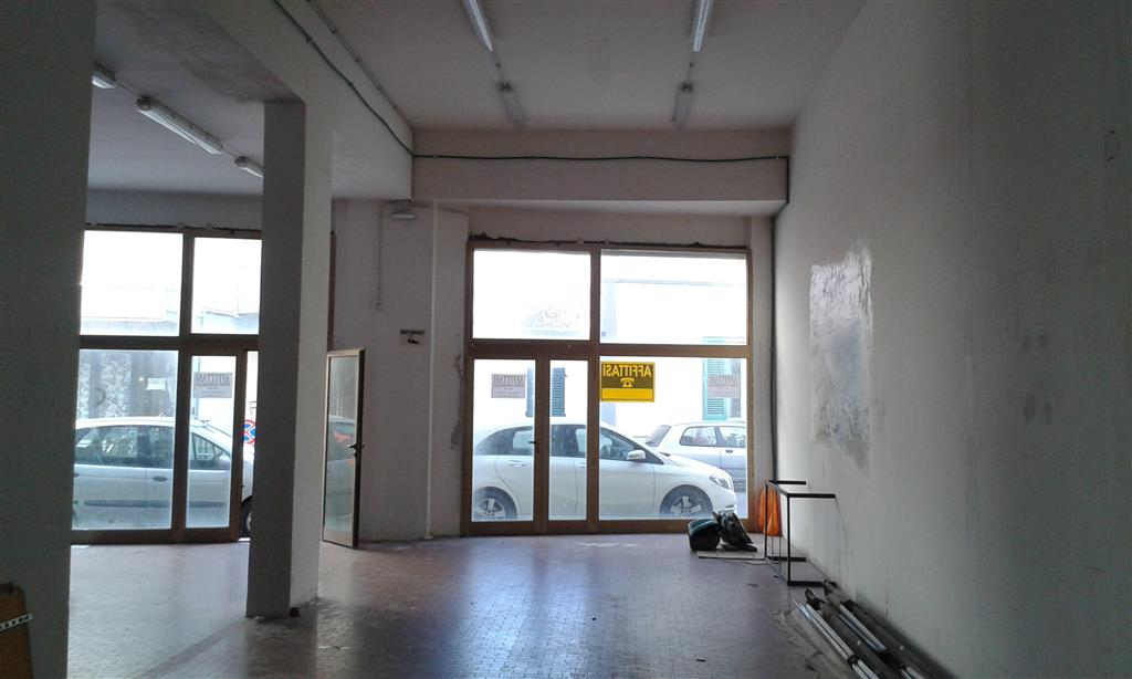 FOLLONICA, FOLLONICA, Shop for rent of 180 Sq. mt., Good condition, Energetic class: G, placed at Ground, composed by: 1 Room, 1 Bathroom, Reserved