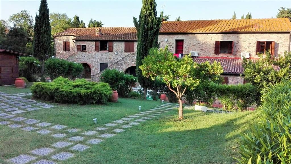 Tenuta-Complesso, San Vincenzo, in ottime condizioni