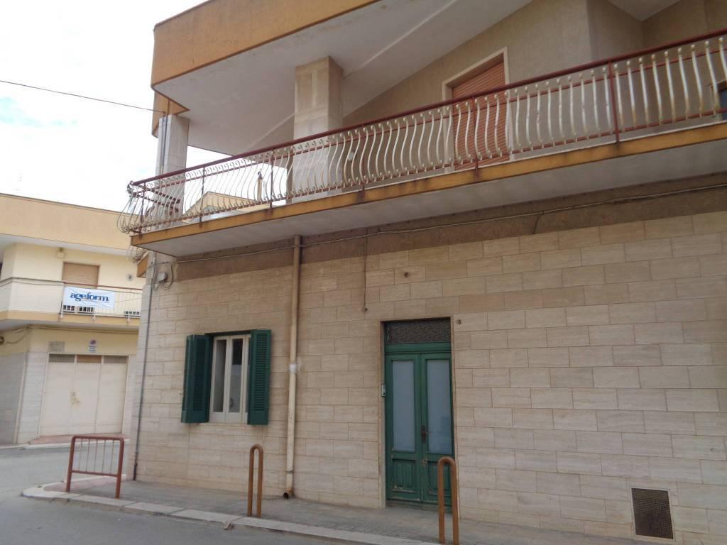 Appartamento in affitto a Noicàttaro, 2 locali, prezzo € 370   CambioCasa.it