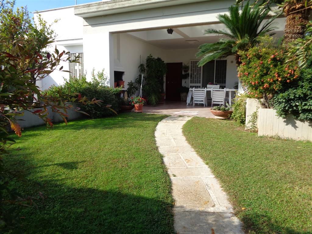 Appartamento in vendita a Valenzano, 6 locali, prezzo € 360.000   CambioCasa.it
