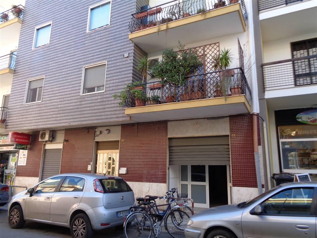 Attività / Licenza in vendita a Valenzano, 3 locali, prezzo € 169.000   CambioCasa.it
