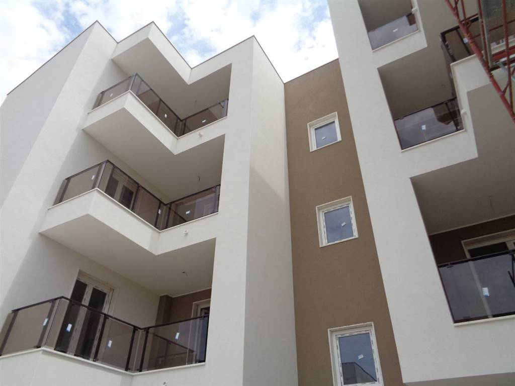 Appartamento in vendita a Valenzano, 3 locali, prezzo € 240.000   CambioCasa.it