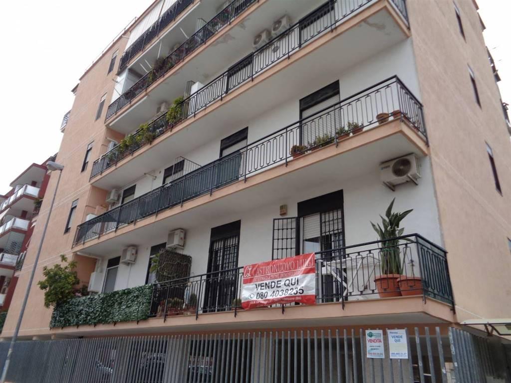 Appartamento in vendita a Valenzano, 3 locali, prezzo € 137.000   CambioCasa.it