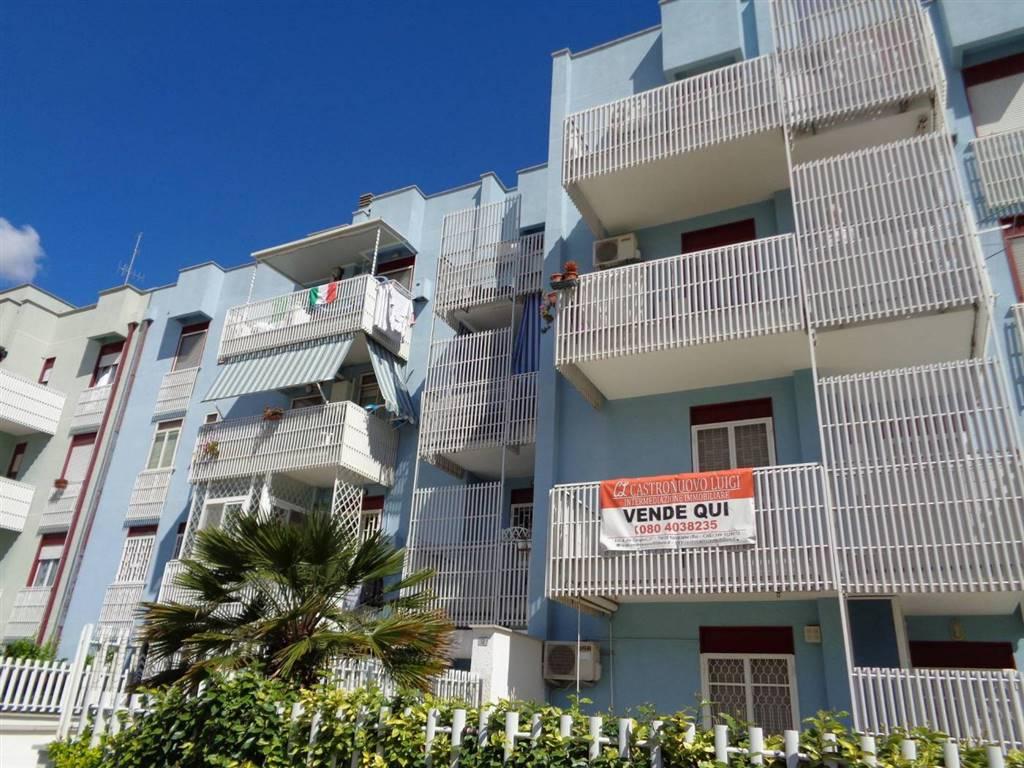 Appartamento in vendita a Valenzano, 2 locali, prezzo € 110.000   CambioCasa.it