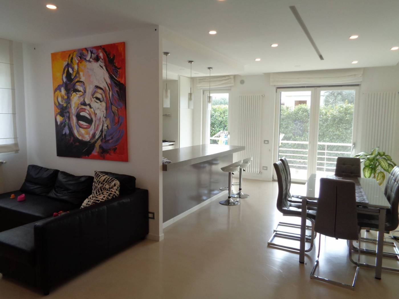 Villa in vendita a Cellamare, 6 locali, prezzo € 320.000   CambioCasa.it