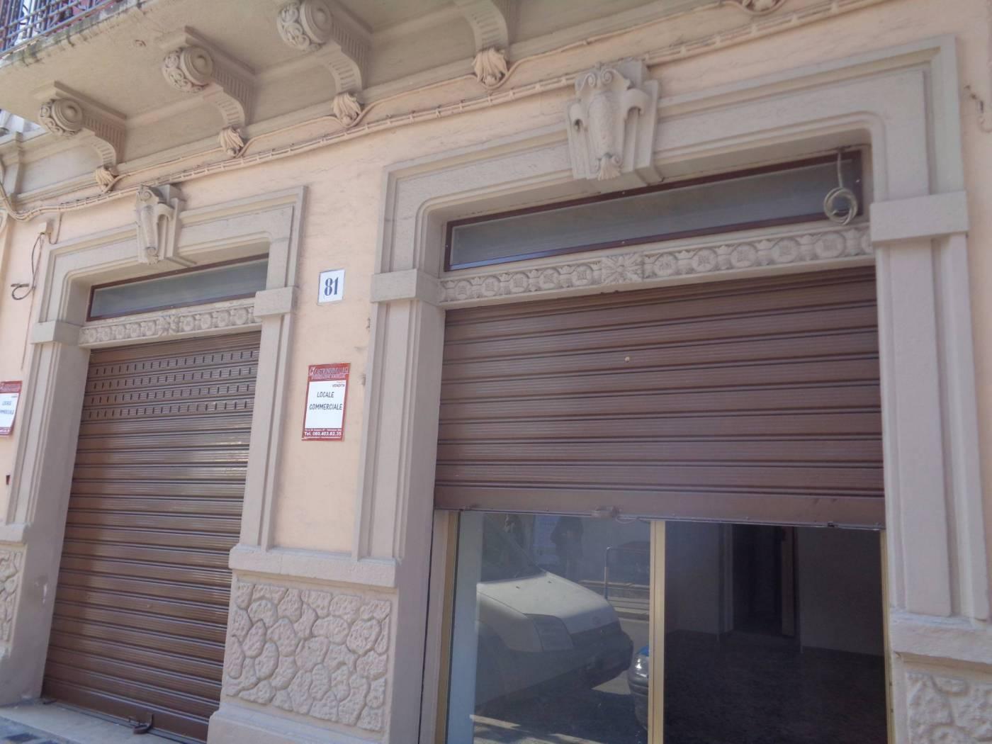 Negozio / Locale in vendita a Bari, 1 locali, zona Località: CARBONARA / CEGLIE, prezzo € 105.000 | CambioCasa.it