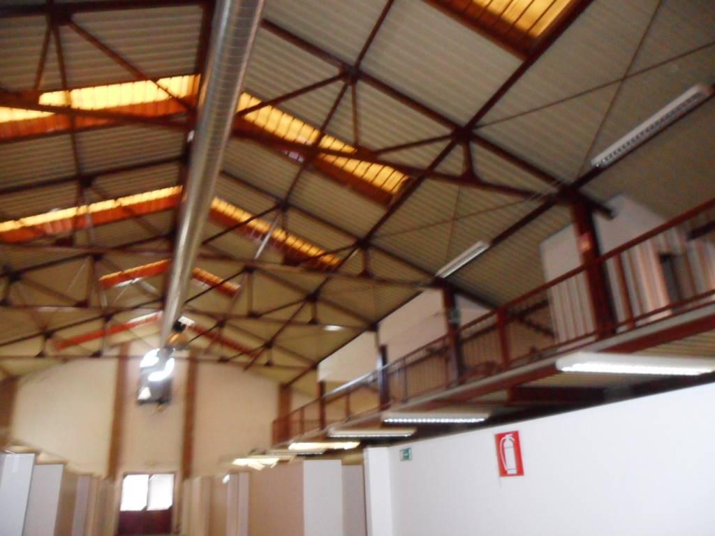 Capannone industriale, Firenze, in ottime condizioni