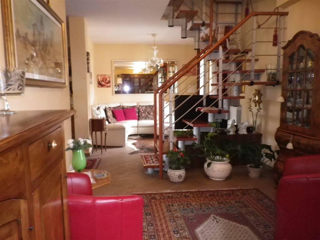Appartamento in vendita a Firenze, 9 locali, zona Zona: 10 . Leopoldo, Rifredi, prezzo € 599.000 | CambioCasa.it