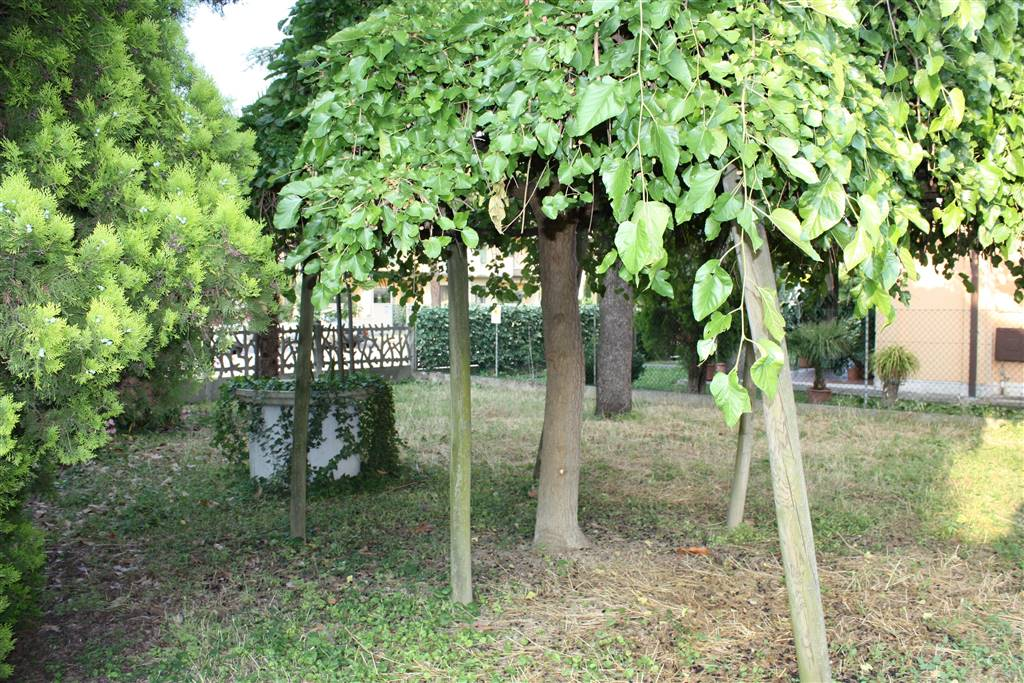 Villa in Vendita a Lugo