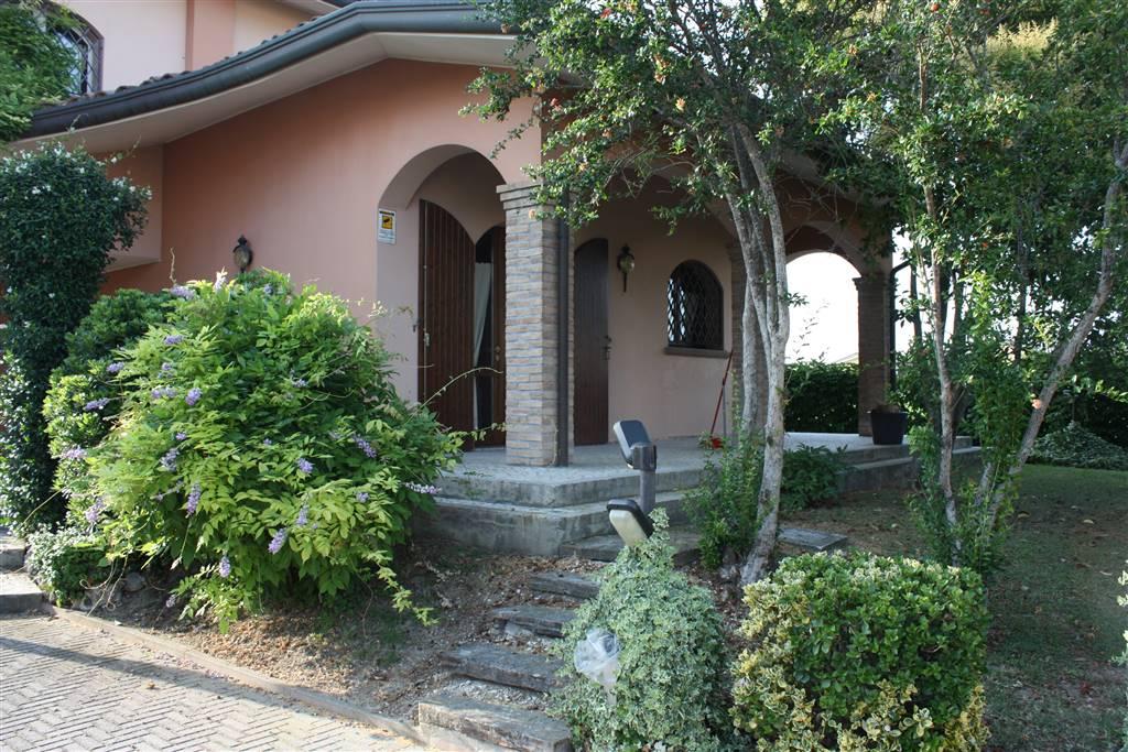 Villa in vendita a Lugo, 8 locali, Trattative riservate | CambioCasa.it