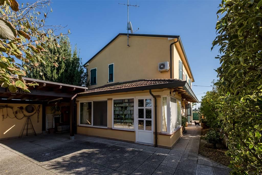 Villa, Lugo, in ottime condizioni