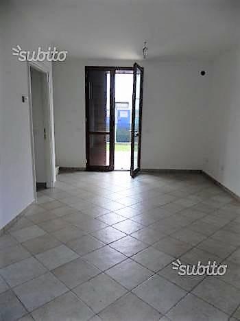 Villa a Schiera in vendita a Ravenna, 4 locali, zona Zona: Lido Adriano, prezzo € 240.000 | CambioCasa.it