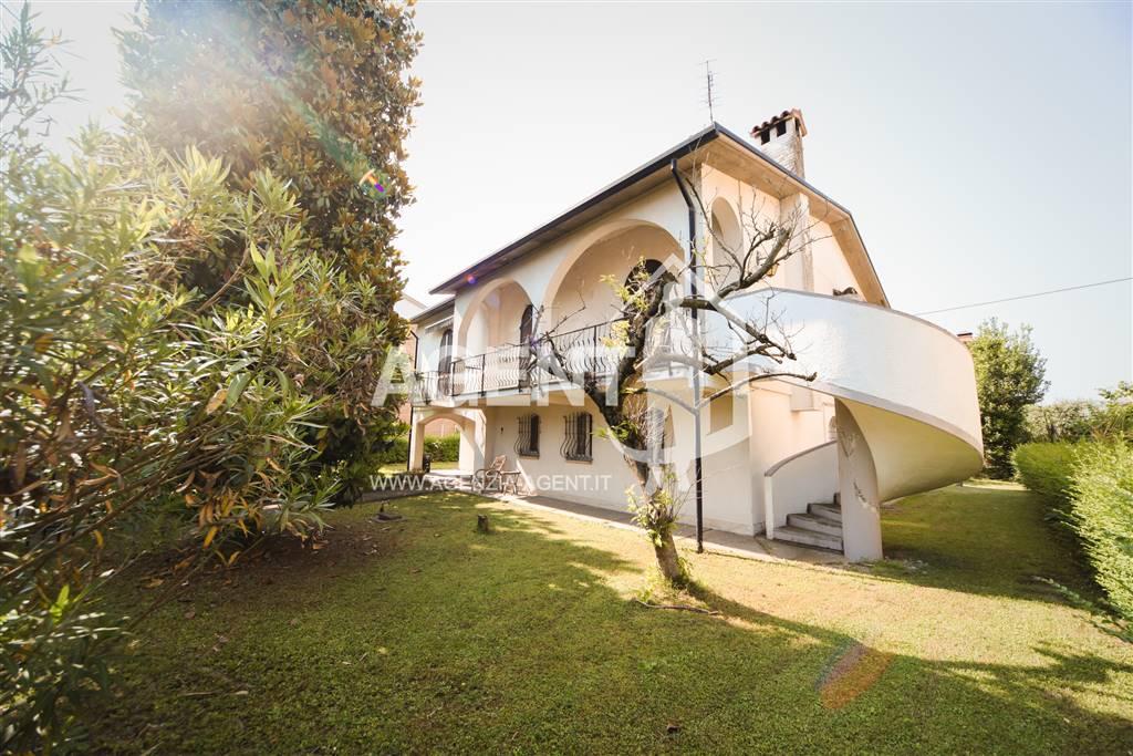 Villa in Via Eynard 48, Massa Lombarda