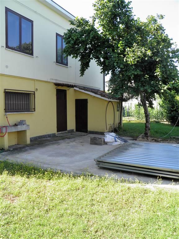 Villa in vendita a Cotignola, 10 locali, prezzo € 220.000 | CambioCasa.it