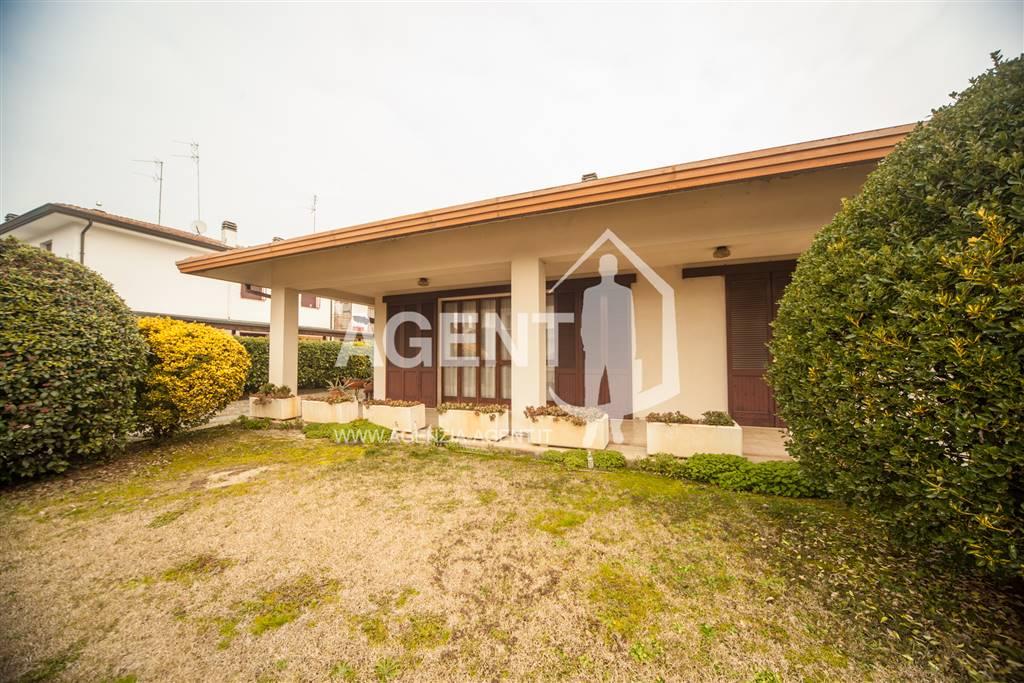 Soluzione Indipendente in vendita a Bagnacavallo, 13 locali, prezzo € 320.000 | CambioCasa.it