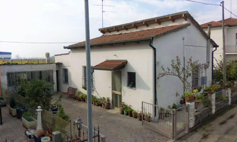 Soluzione Indipendente in vendita a Bagnacavallo, 4 locali, zona Zona: Prati, prezzo € 65.000 | CambioCasa.it