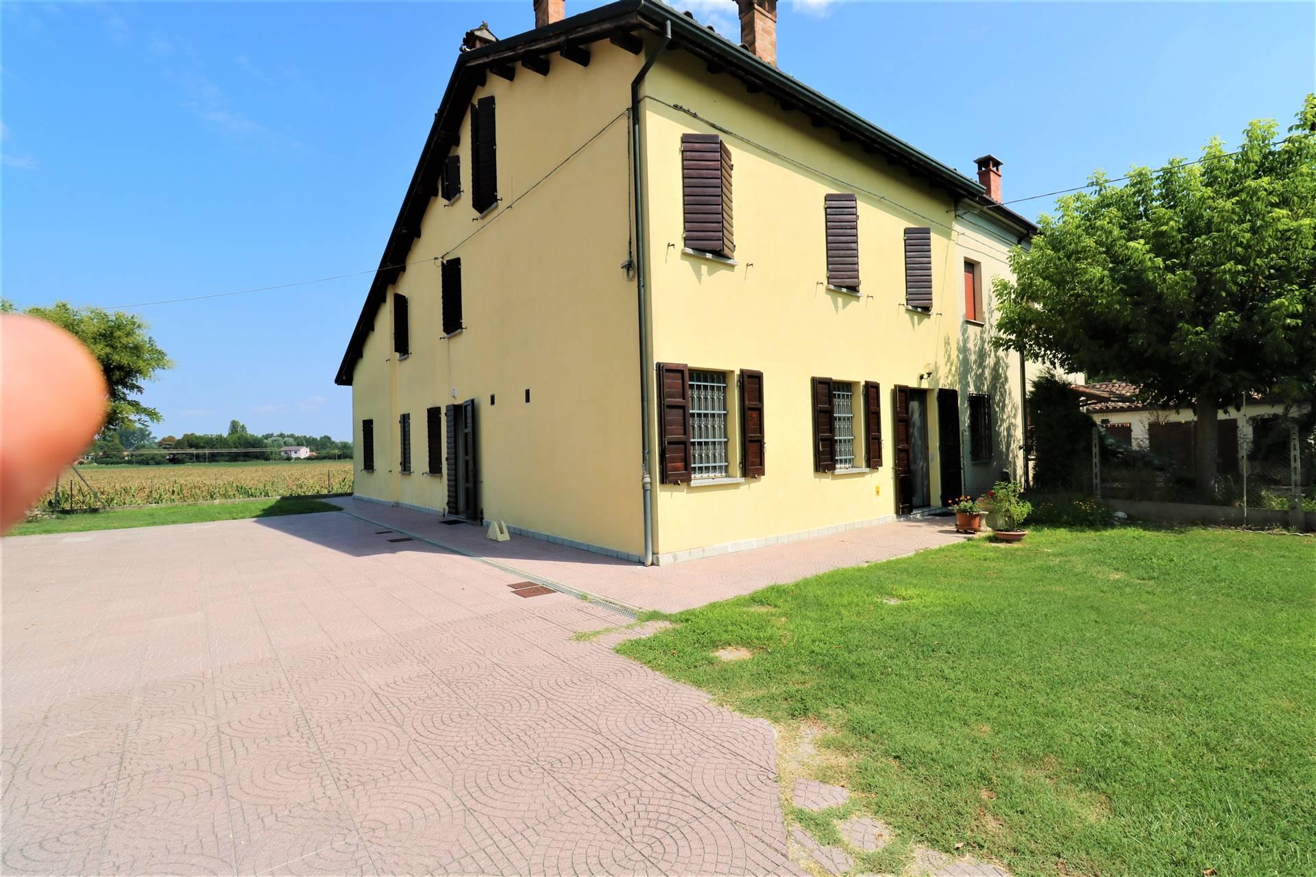 Villa Bifamiliare in Vendita a Lugo