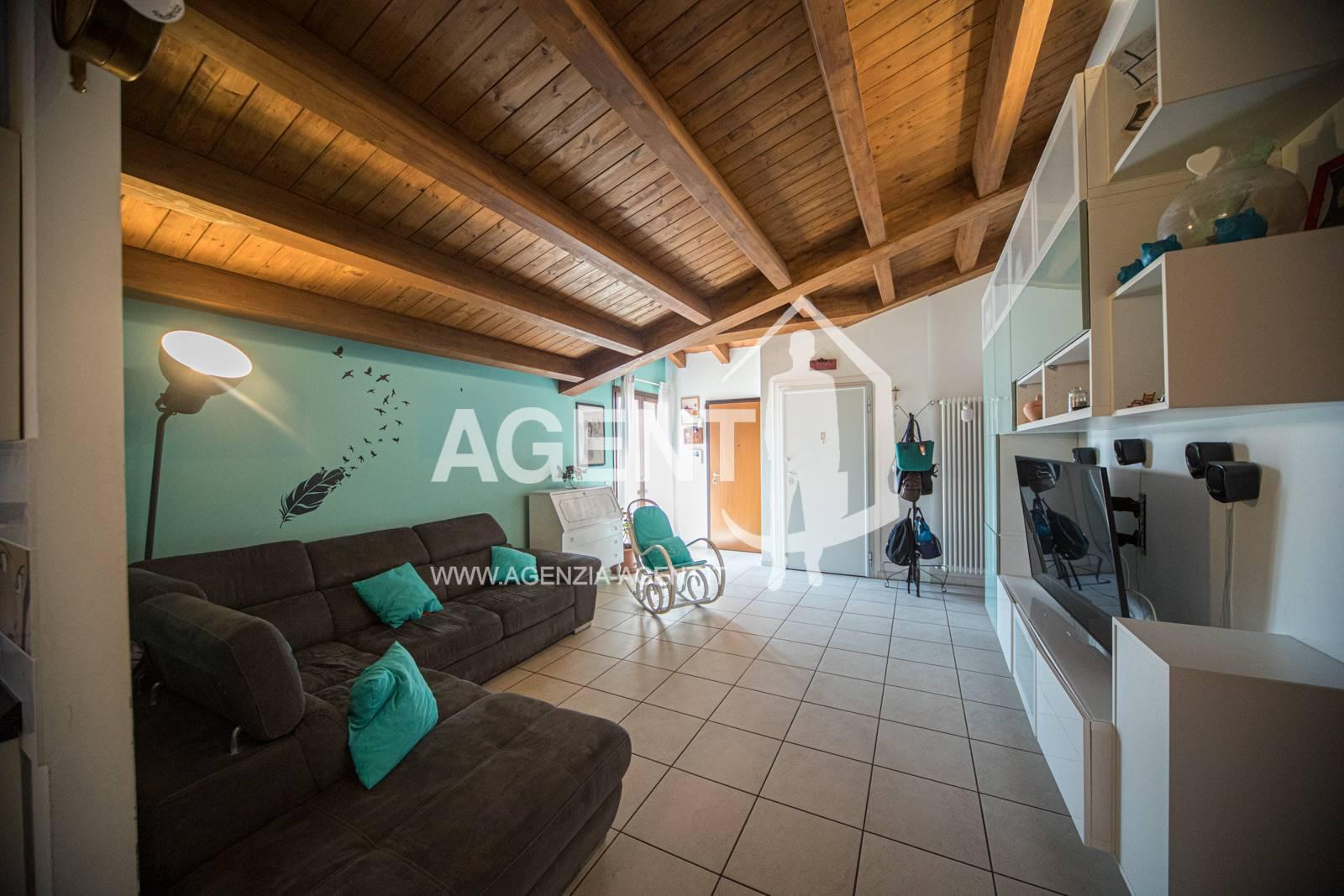 Appartamento in vendita a Massa Lombarda, 6 locali, prezzo € 140.000 | PortaleAgenzieImmobiliari.it