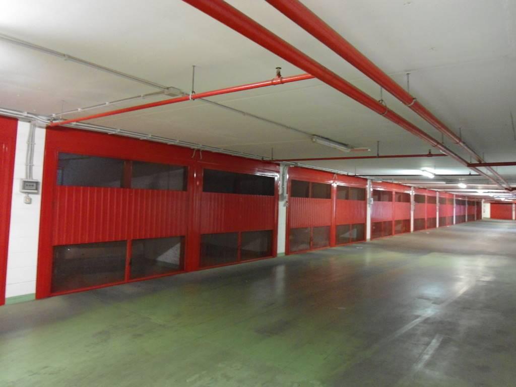 Garage / Posto auto in Via Domenico De Dominicis 25, Roma