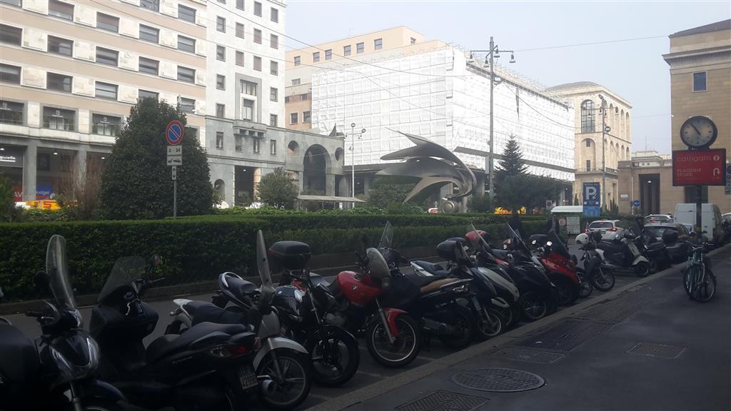 Affitto ufficio centro storico milano quarto piano for Affitto ufficio centro storico