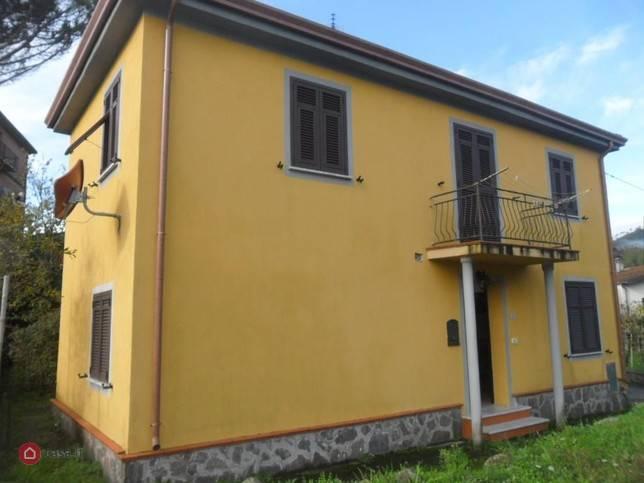 Casa singolaaFOLLO