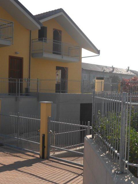 Casa semi indipendente in Via Grosso Campana, Piscina
