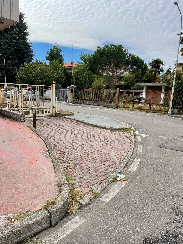 Box / Garage in vendita a Cornaredo, 1 locali, prezzo € 20.000 | CambioCasa.it