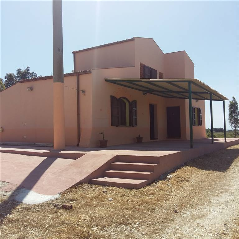 SCIACCA, Villa for sale of 135 Sq. mt., Restored, Heating Individual heating system, Energetic class: Not subject, placed at Ground, composed by: 7