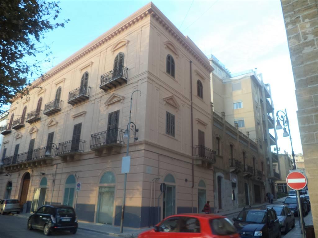 A Sciacca, nel cuore del centro storico appartamento del 700 posto al secondo piano di un edificio di particolare interesse storico, con una