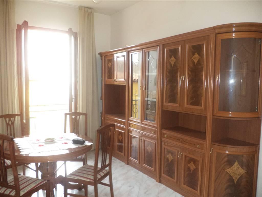In pieno centro storico , a due passi dal Comune di Sciacca e dalla matrice, proponiamo appartamento posto al secondo piano di un piccolo edificio,