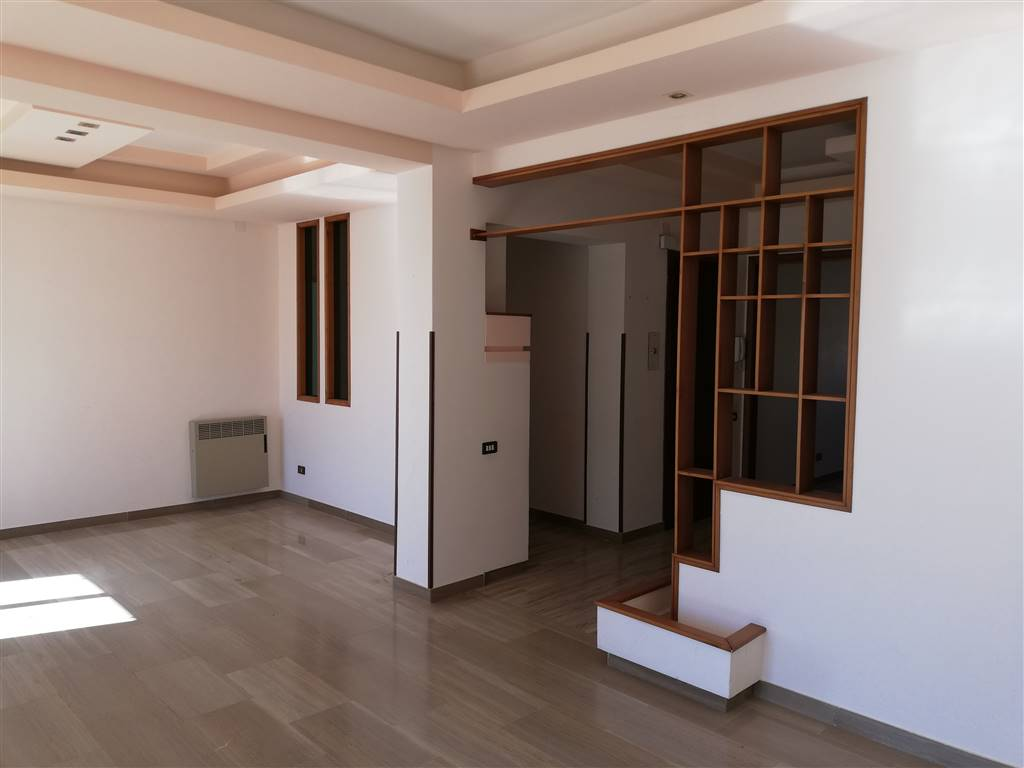 CENTRO STORICO, SCIACCA, Apartment for sale of 200 Sq. mt., Habitable, Heating Individual heating system, Energetic class: G, placed at 5°, composed
