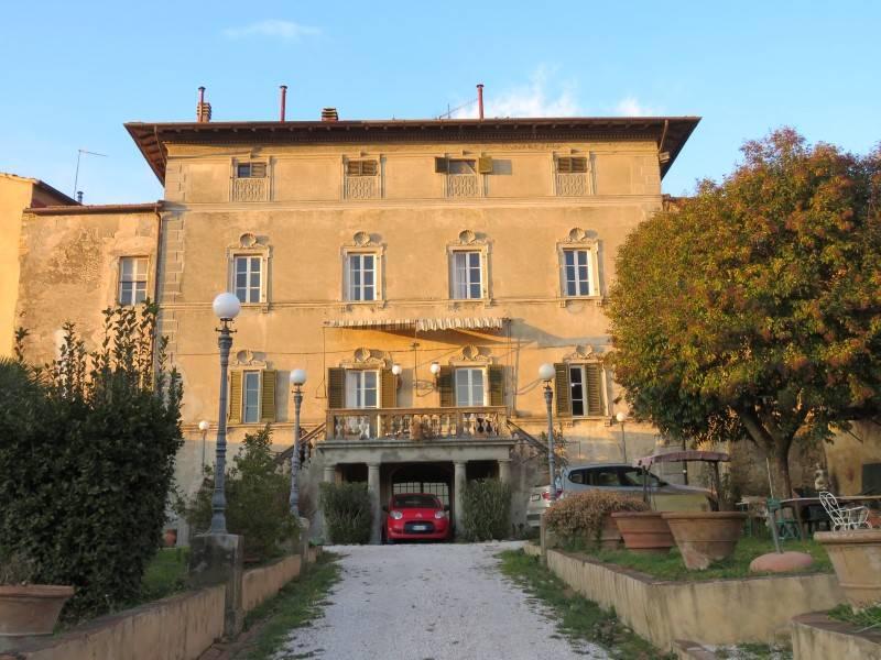 Villa in vendita a Montescudaio, 25 locali, Trattative riservate   CambioCasa.it