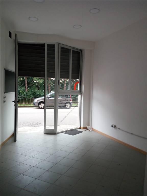 Negozio / Locale in affitto a Atripalda, 1 locali, prezzo € 270 | CambioCasa.it